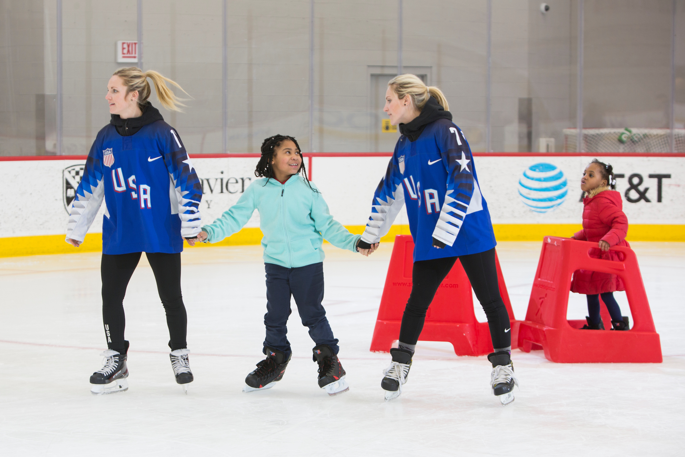 GirlScoutsWomensOlympicHockey-35